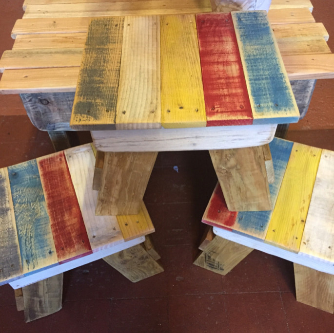 Pallet Wood Stools Projects for kids