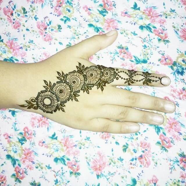 simple backhand henna design 2018