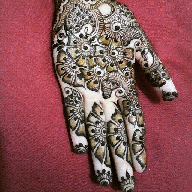 Bridal Single Front hands mehndi design 2018