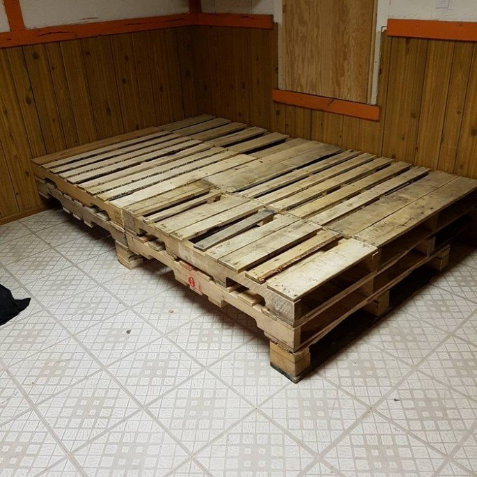 Cheap DIY pallet bed frame ideas