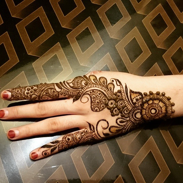 Patterns and Lines Mehndi