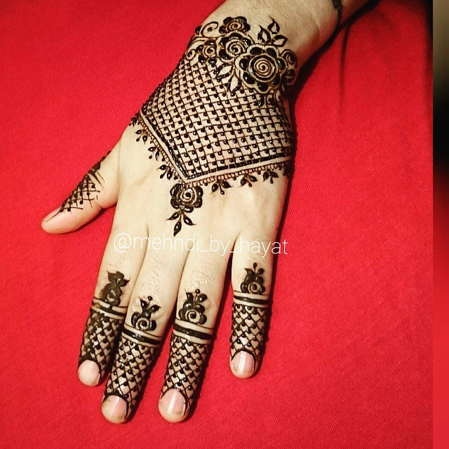 unique Simple Glitter Mehndi Design 2018