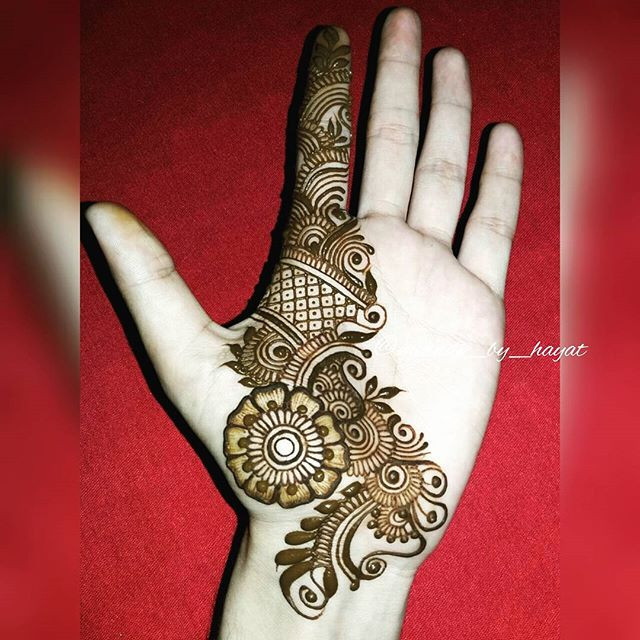 Simple Glitter Mehndi Design