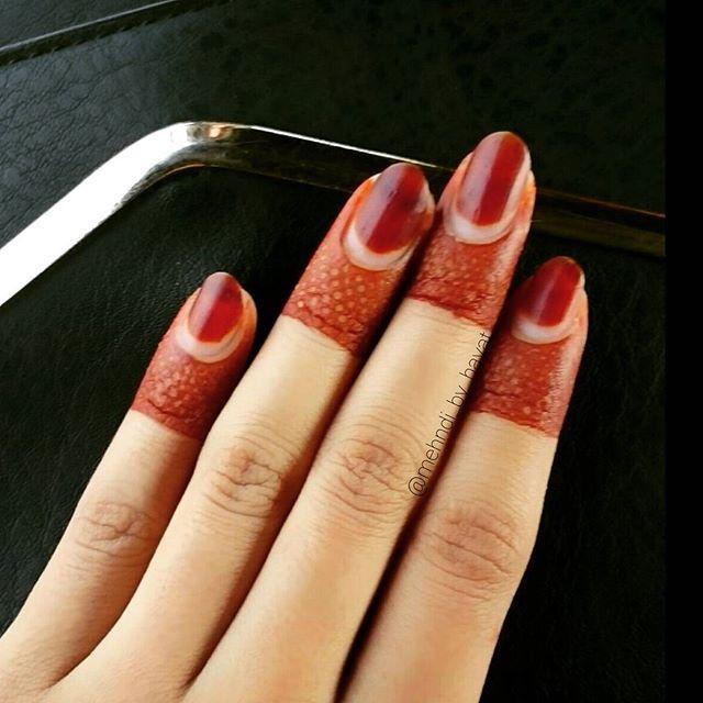Elegant Bridal finger Mehndi Design