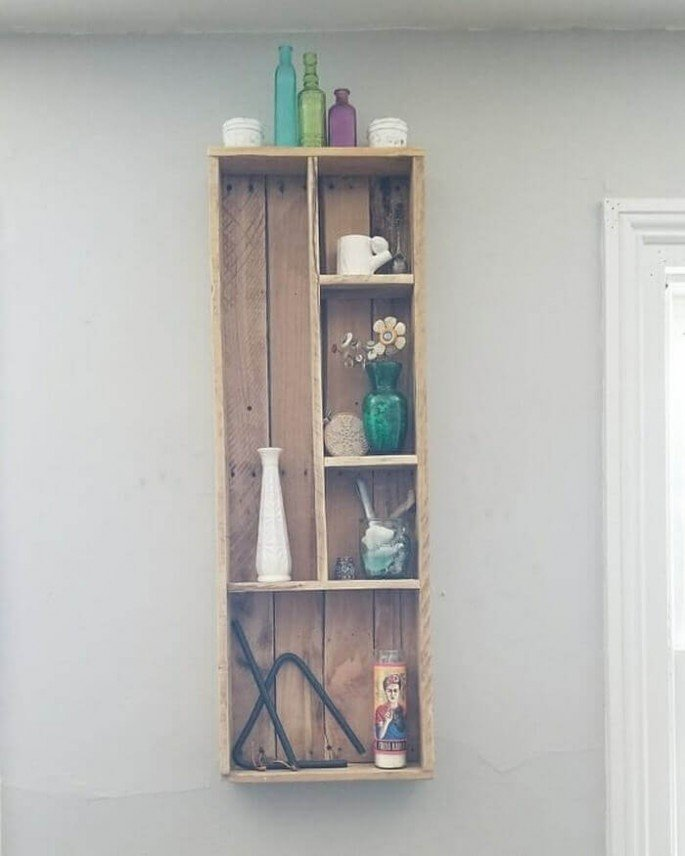 Bathroom wall Hanging Shelf Pallet Idea