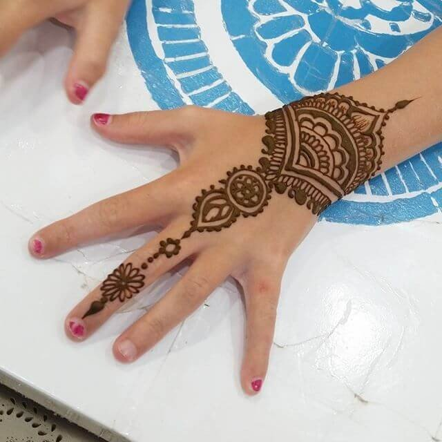 Top 18 Mehndi Designs To Enhance The Beauty Of Your Hand And Feet