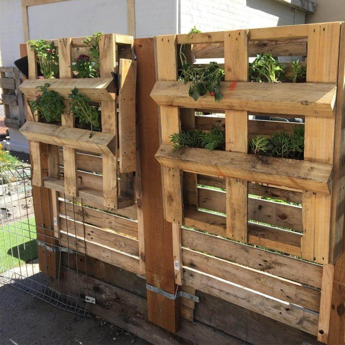 Creative Wooden Pallets Ideas for your Home & Garden
