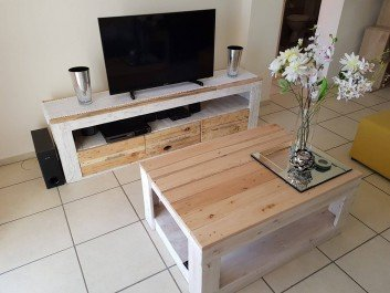 Unique Pallet TV Stand And Table Ideas For Drawing Room