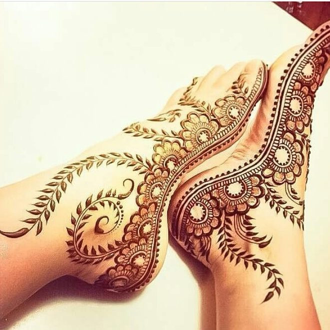 simple foot mehndi