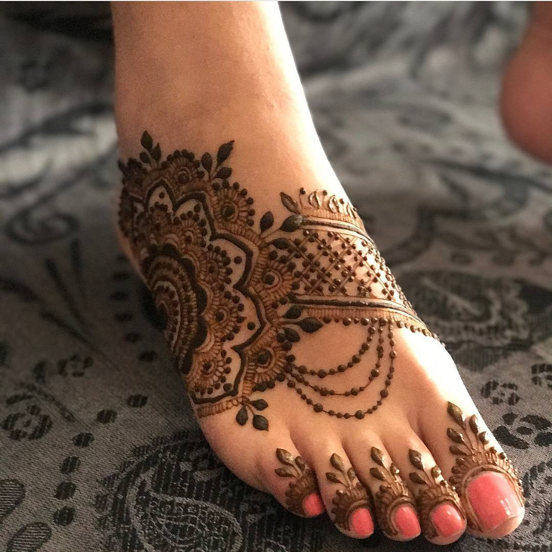 Classy and attractive Mehndi Designs for Foot - Sensod
