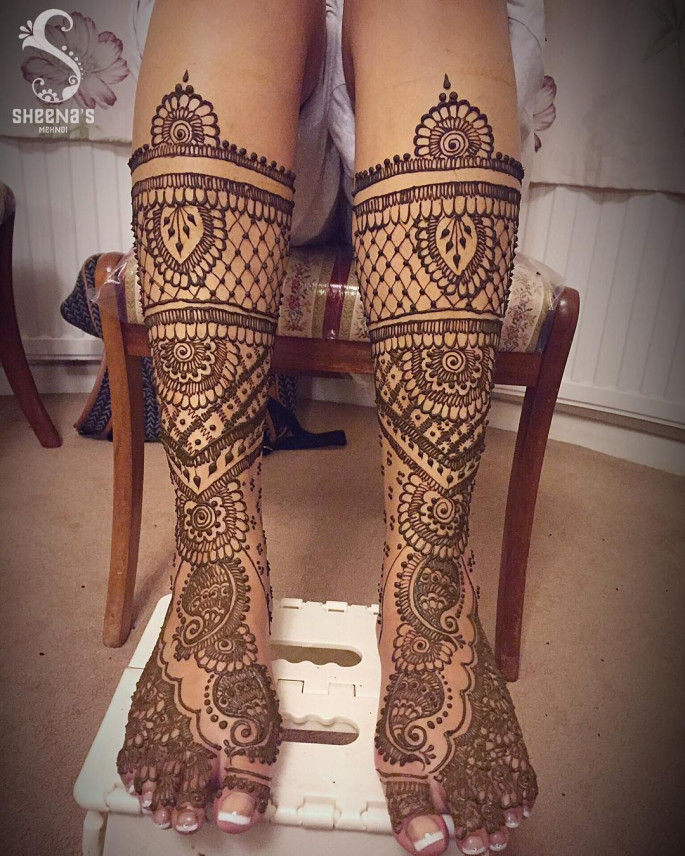 mehndi designs for foot and legs