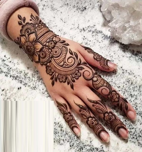 full backhands Mehndi Designs in the new year