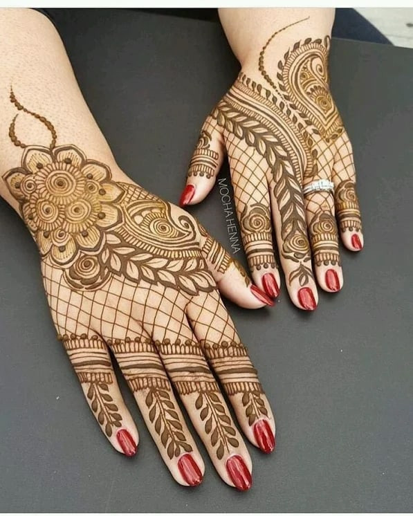 Impressive Mehndi Art on back Hand in 2019