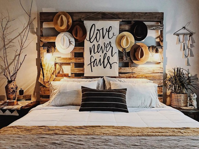 Headboards and Pallet Bed Frames with hidden lights ideas