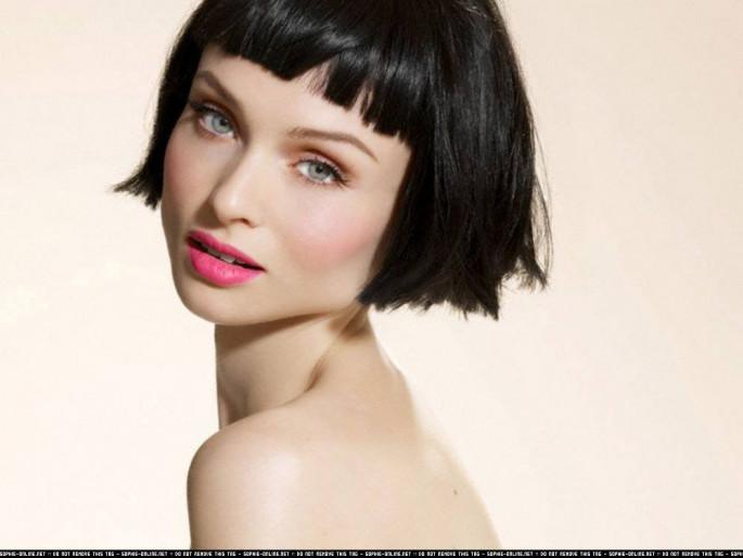 Shoulder Length, Subtle Bangs hairstyles