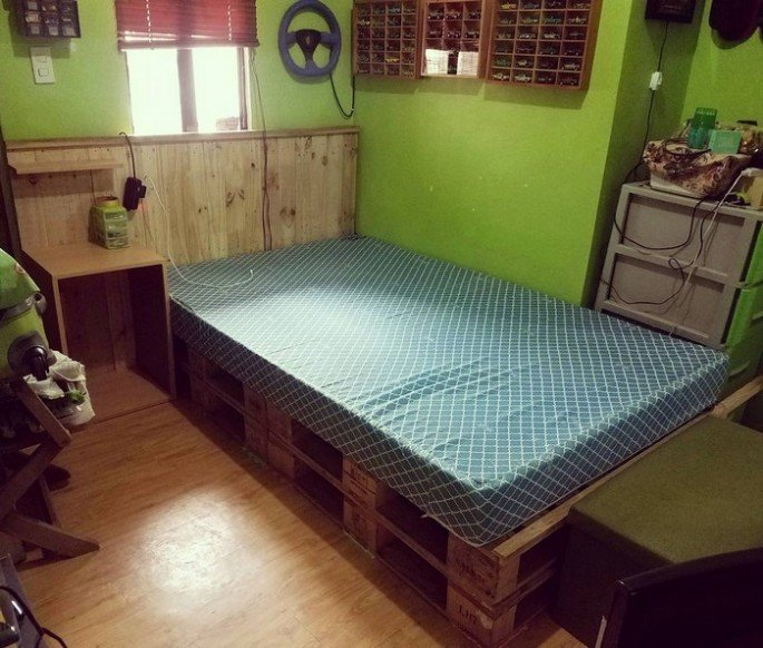 Top 20+ Recycled Pallet Side Bed Frame ideas