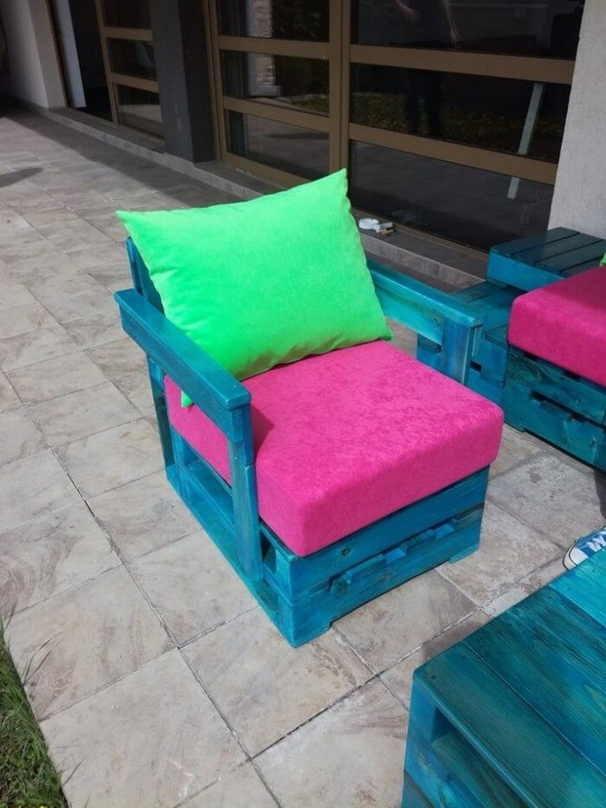 Outdoor pallet Small couch ideas
