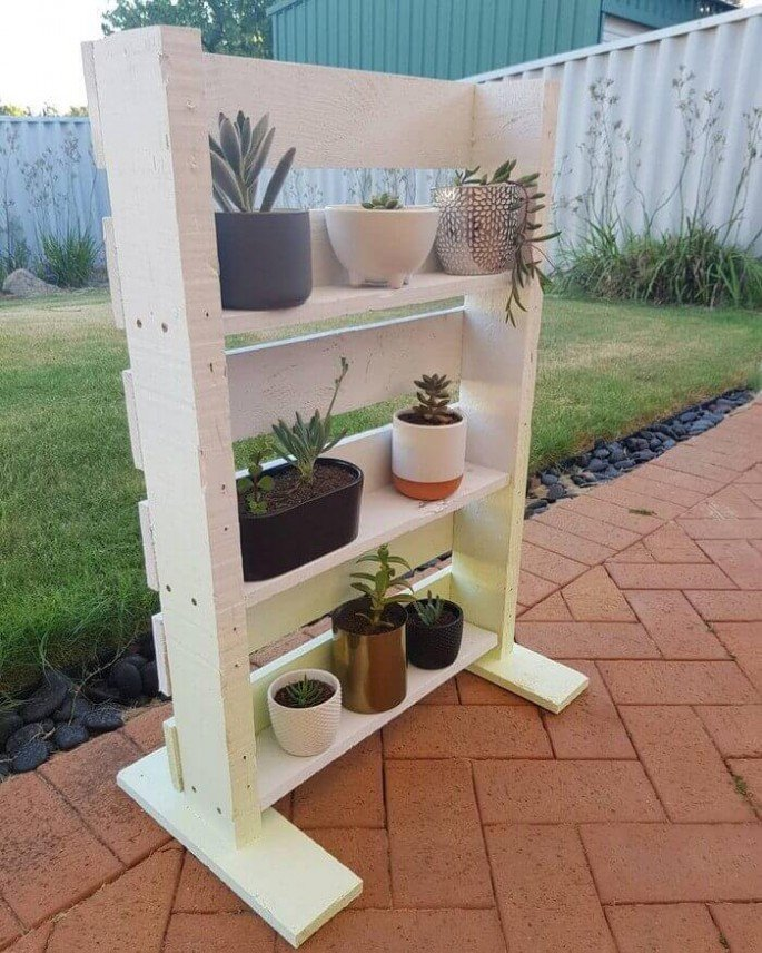 Best Outdoor Pallet Garden Shelf