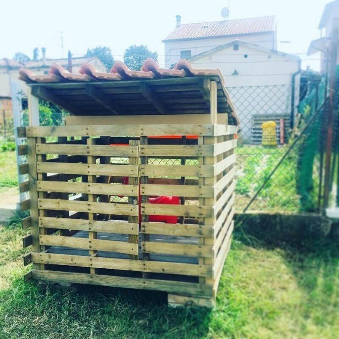 Step by step Pallet Chicken Coop Projects Ideas