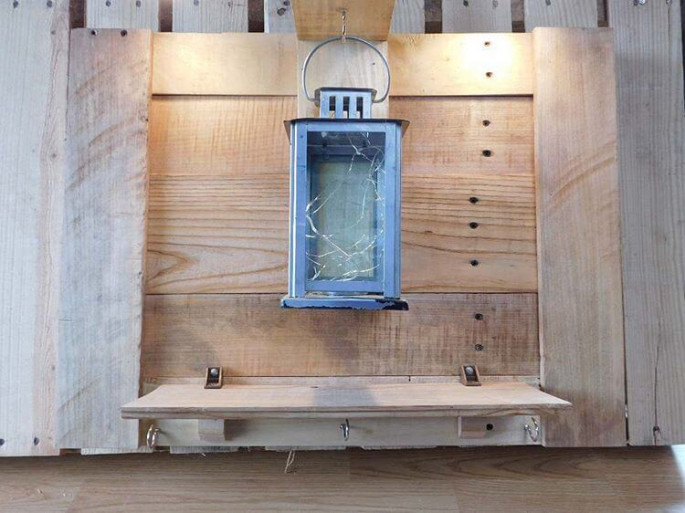 Pallet Wall Shelve ideas with lights