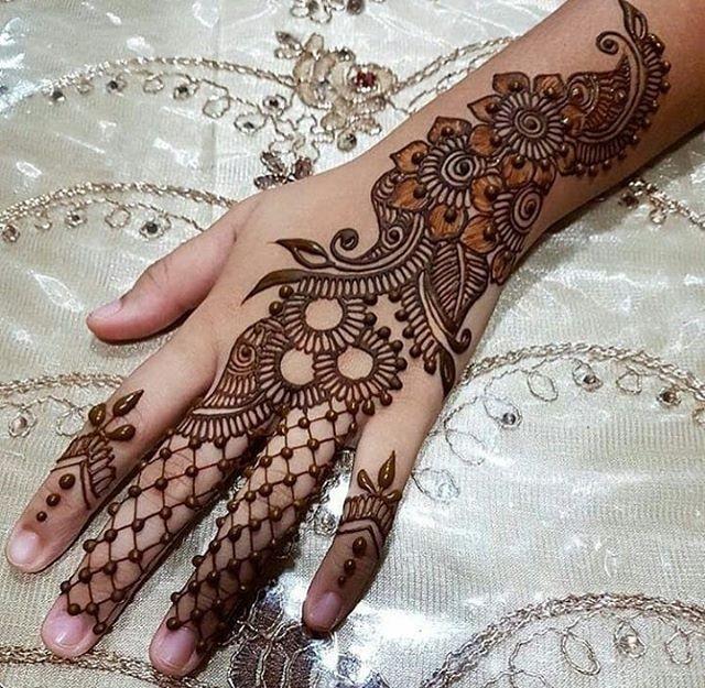 backhand Indian mehndi design ideas