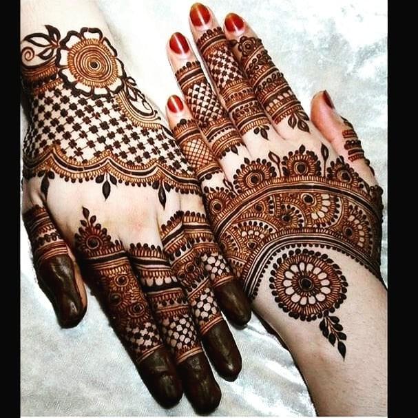 latest back hand mehndi designs