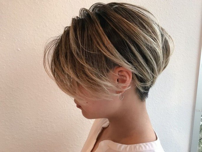 CLASSY SHORT HAIRSTYLES FOR THICK HAIR