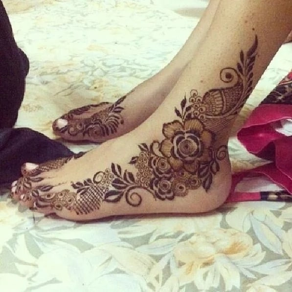 73+ Most Trendy Mehndi Designs for Feet