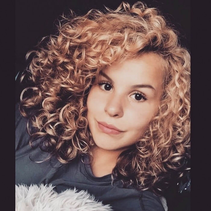 black curly hairstyles 2019