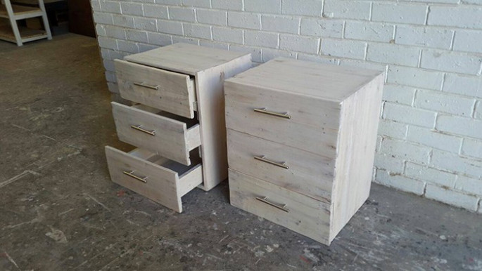 Pallet drawer ideas for wall
