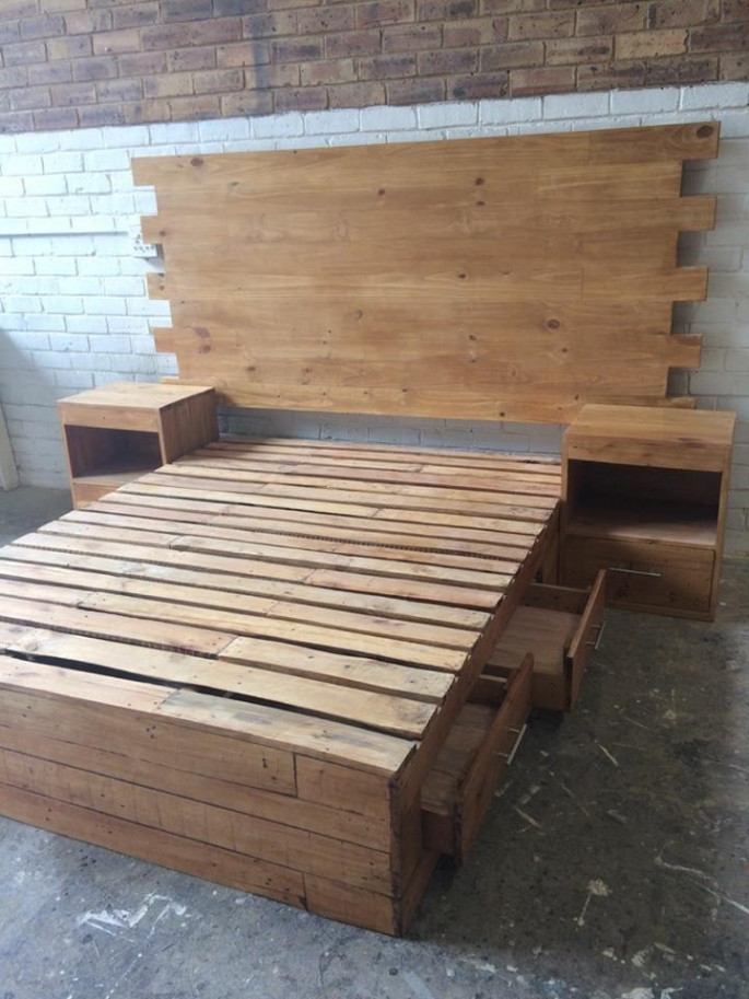 Pallet bed ideas with storage
