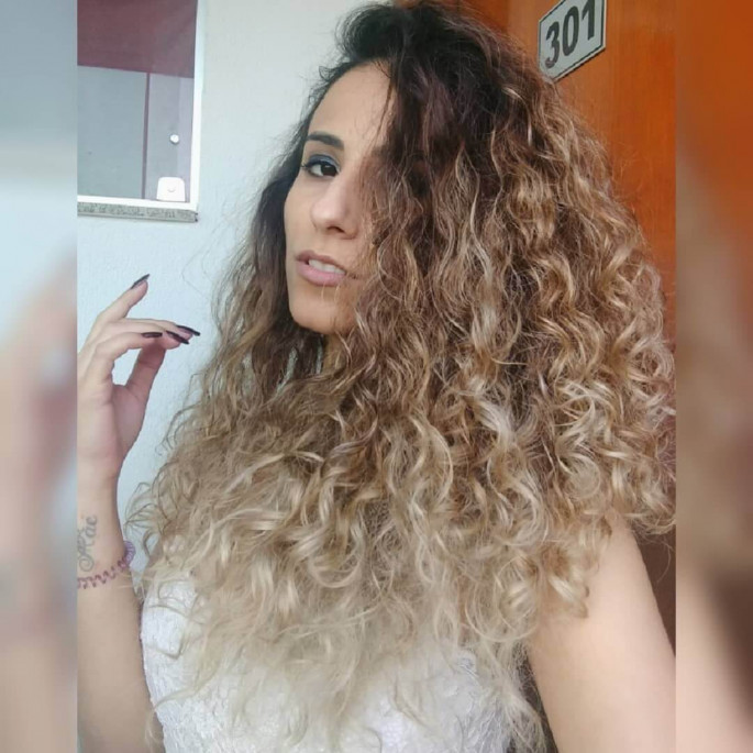 medium curly hairstyles 2018