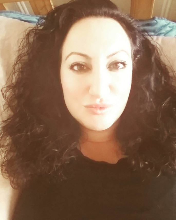 Hot medium curly women hairstyles