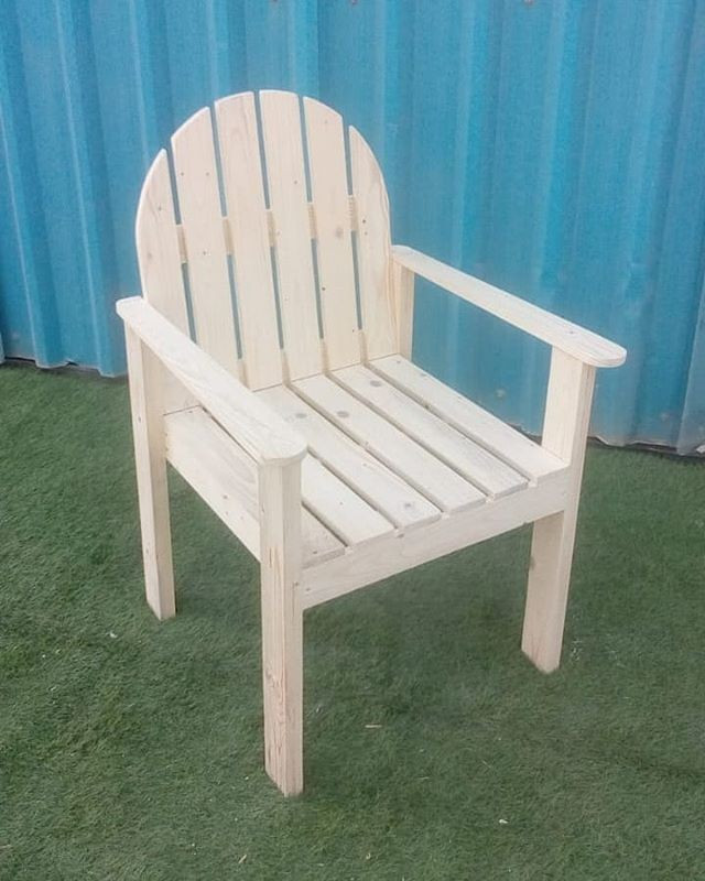 Pallet outdoor furniture chair