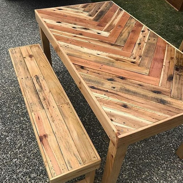 Pallet outdoor furniture table