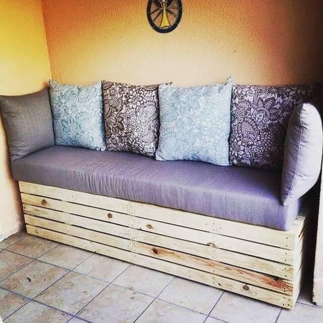 Pallet furniture bench