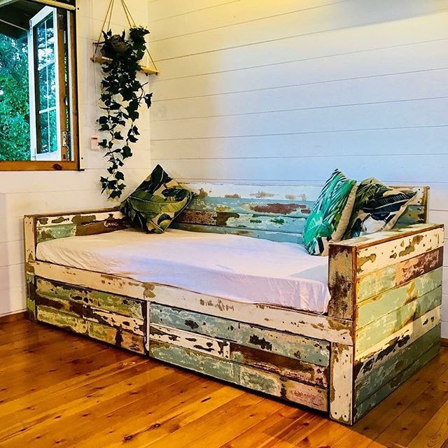 Pallet furniture sofa