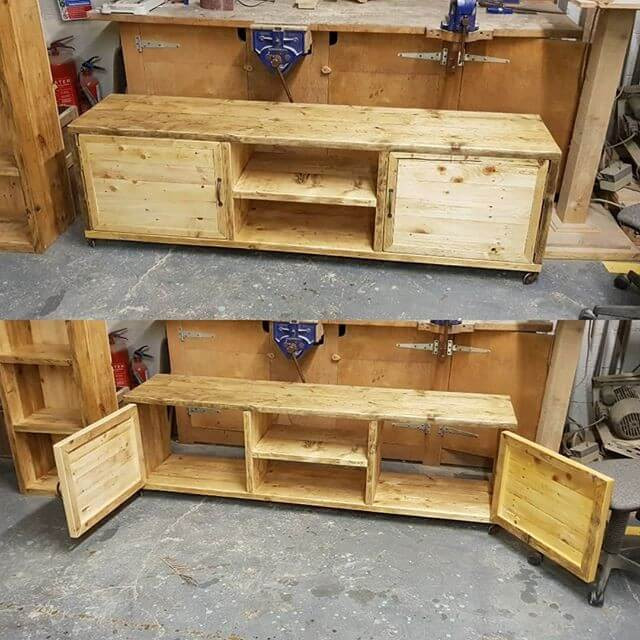 30+ Wonderful Pallet Shelf Ideas And Other Projects