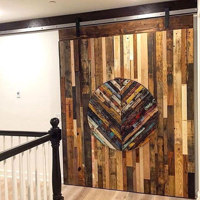 Pallet wall decor