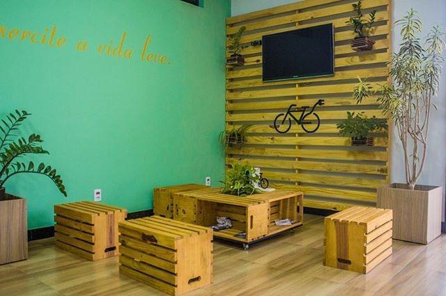 Pallet furniture wall decor