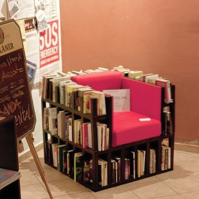 Pallet furniture chair with book storage