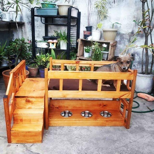 Pallet dog playhouse