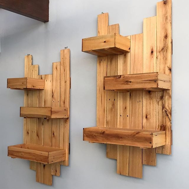 Pallet shelf decor