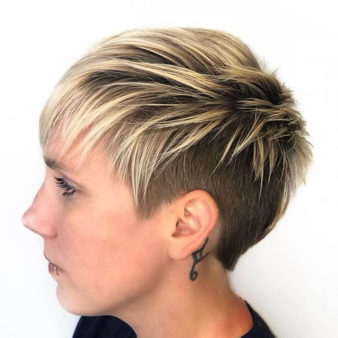 A Wonderful A-Line Amber Bob Hairstyles for Fine Hair