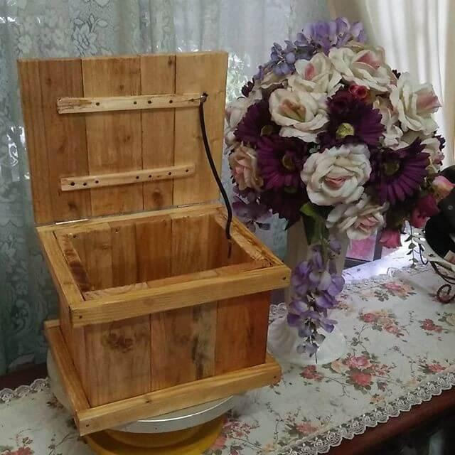 Pallet crafts