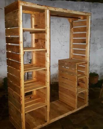 Pallet wardrobe shelf