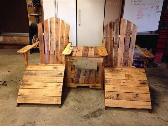 Pallet chair art