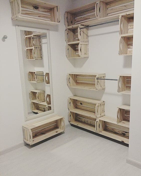 Pallet box shelf