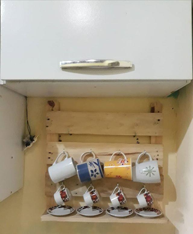 Pallet kitchen shelf