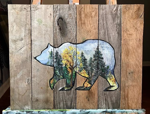 Pallet bear art